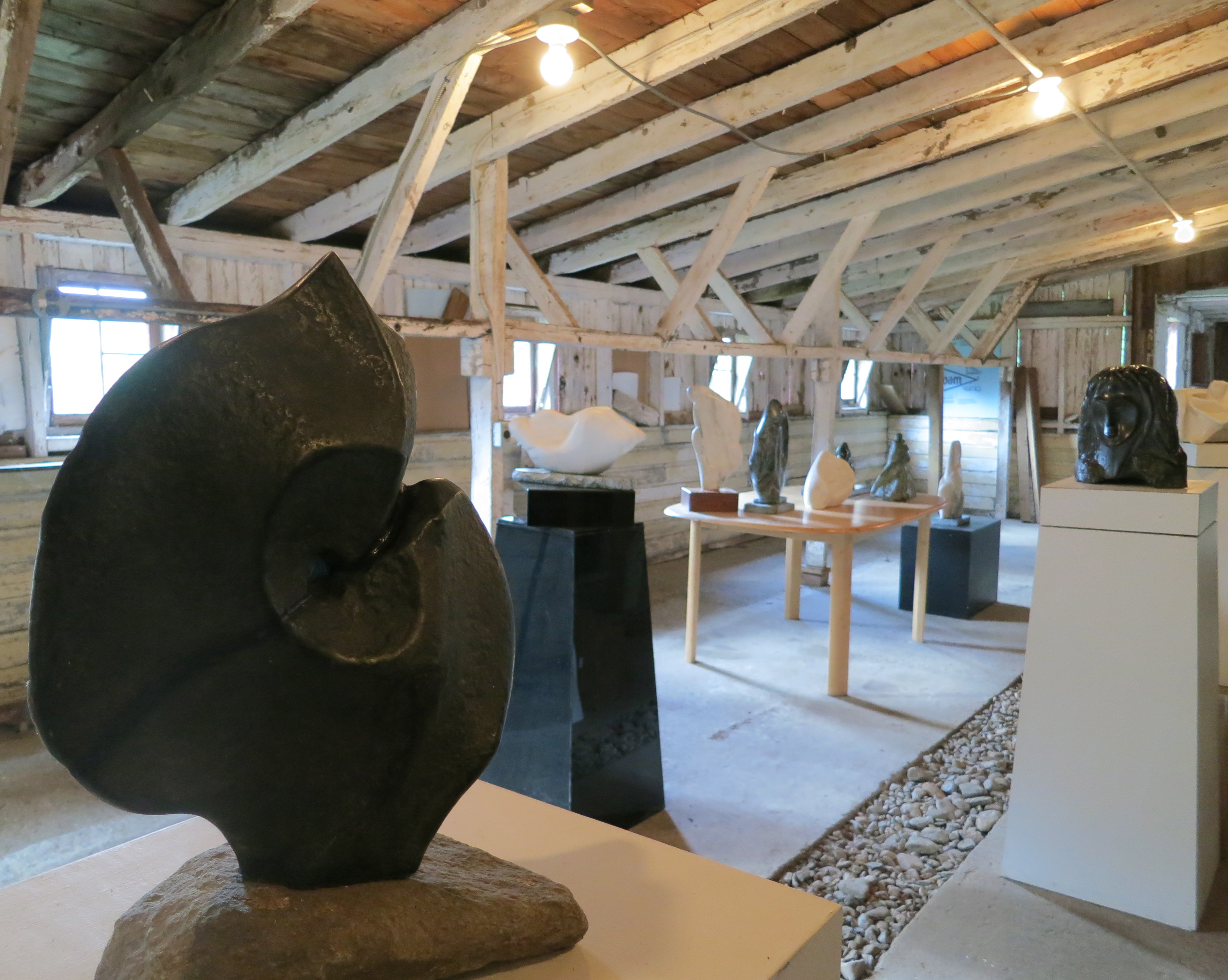 cow barn sculpture gallery. JPG